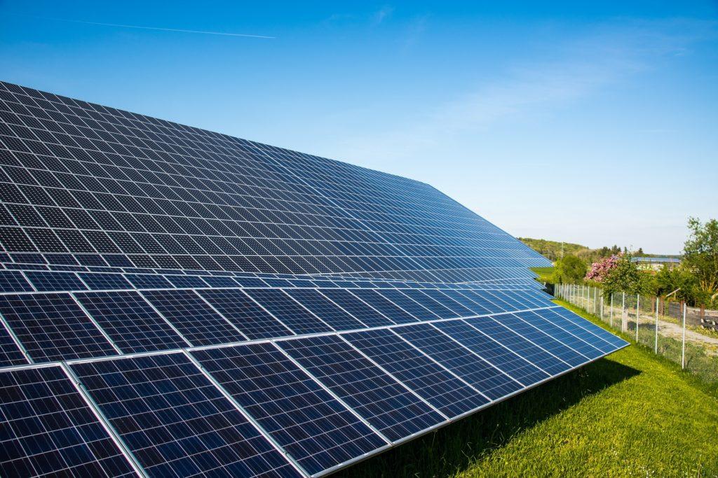 Impianti fotovoltaici a terra, parco fotovoltaico, impianto fotovoltaico connesso in rete, Energy Service Company (ESCo)